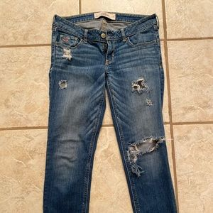 Hollister distressed skinny jeans size 3r